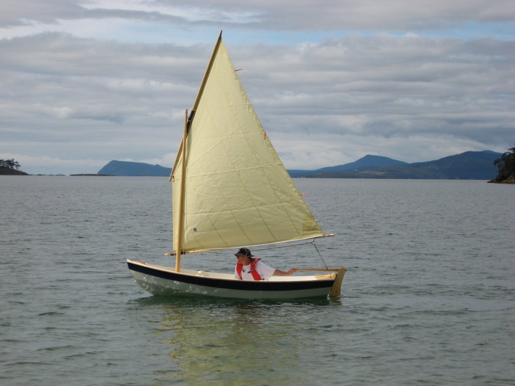 shellback dinghy under sail